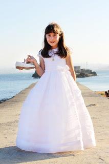 niña-comunion-vestido-reportaje-fotografico-playa-palacio-magdalena