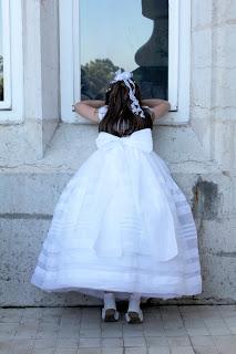 reportaje-niña-comunion-palacio-de-la-magdalena-santander-ventana-fotografico