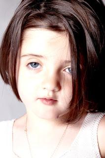 carla-niña-reportaje-fotografico-ojos-azules-guapa-fotografia-creativa